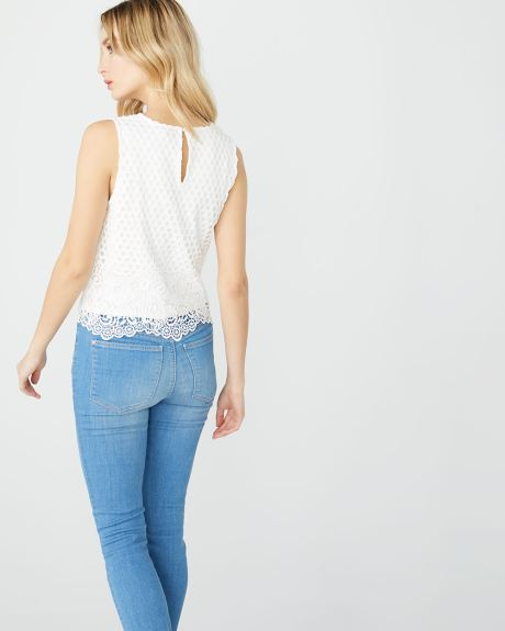 Sleeveless guipure lace top