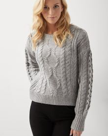 Loose-fit 3D Cable sweater