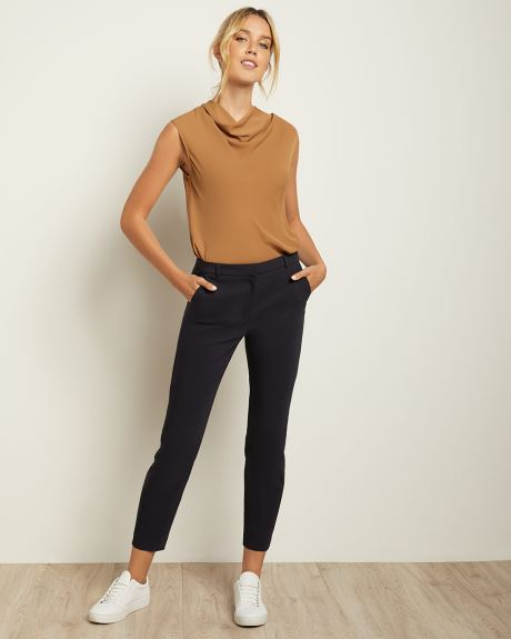 Signature Fit Slim Leg Ankle Pant