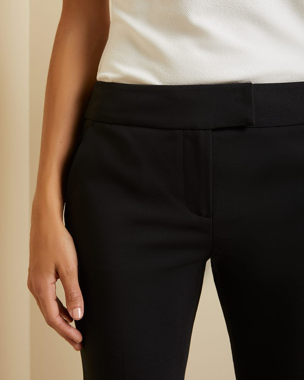 Modern chic Signature fit Semi-flare Leg Pant