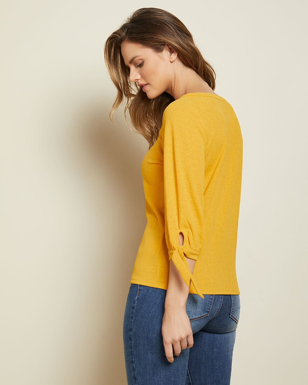 Tied 3/4 sleeve t-shirt