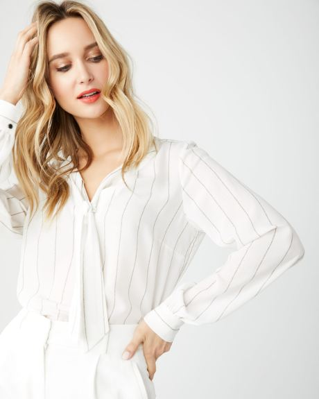 ebe0bca39039be Long sleeve blouse with neck tie