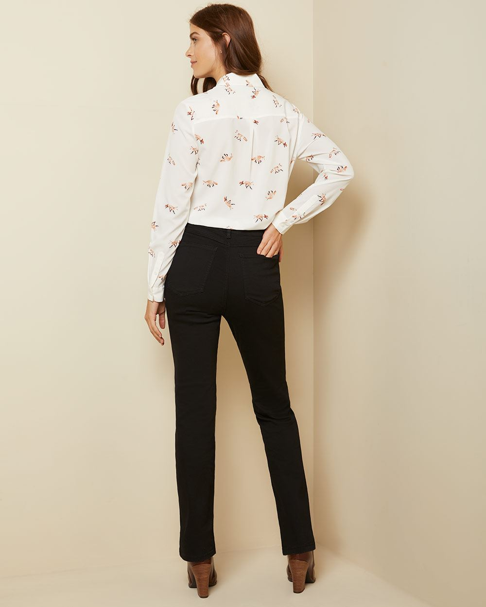 High-waisted semi-flare leg jeans in black denim - 32''