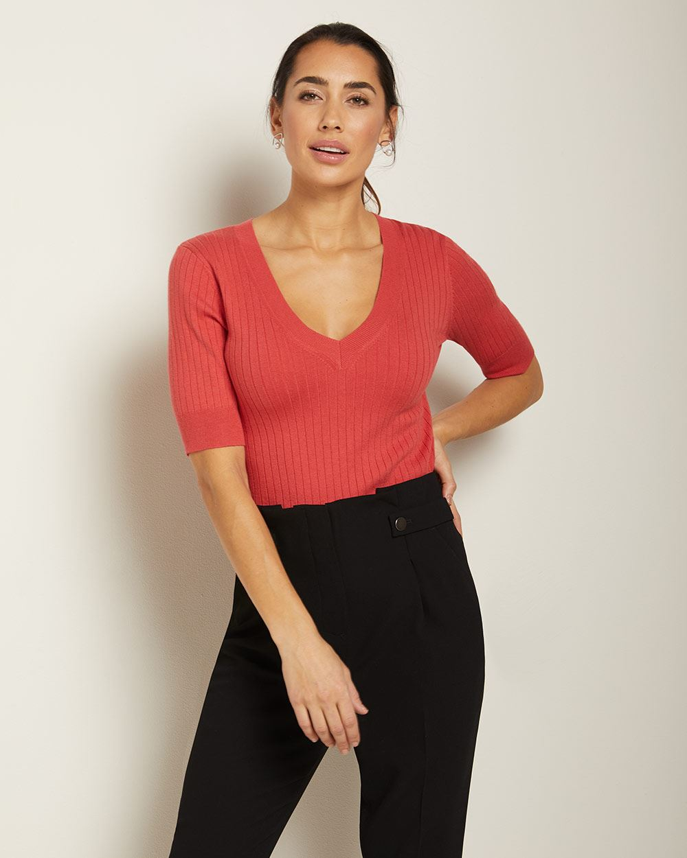 Buttoned High-waist pleated pant