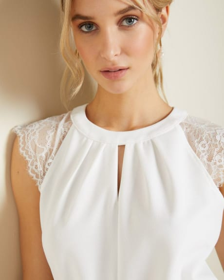 Sleeveless Lace-trimmed crepe top