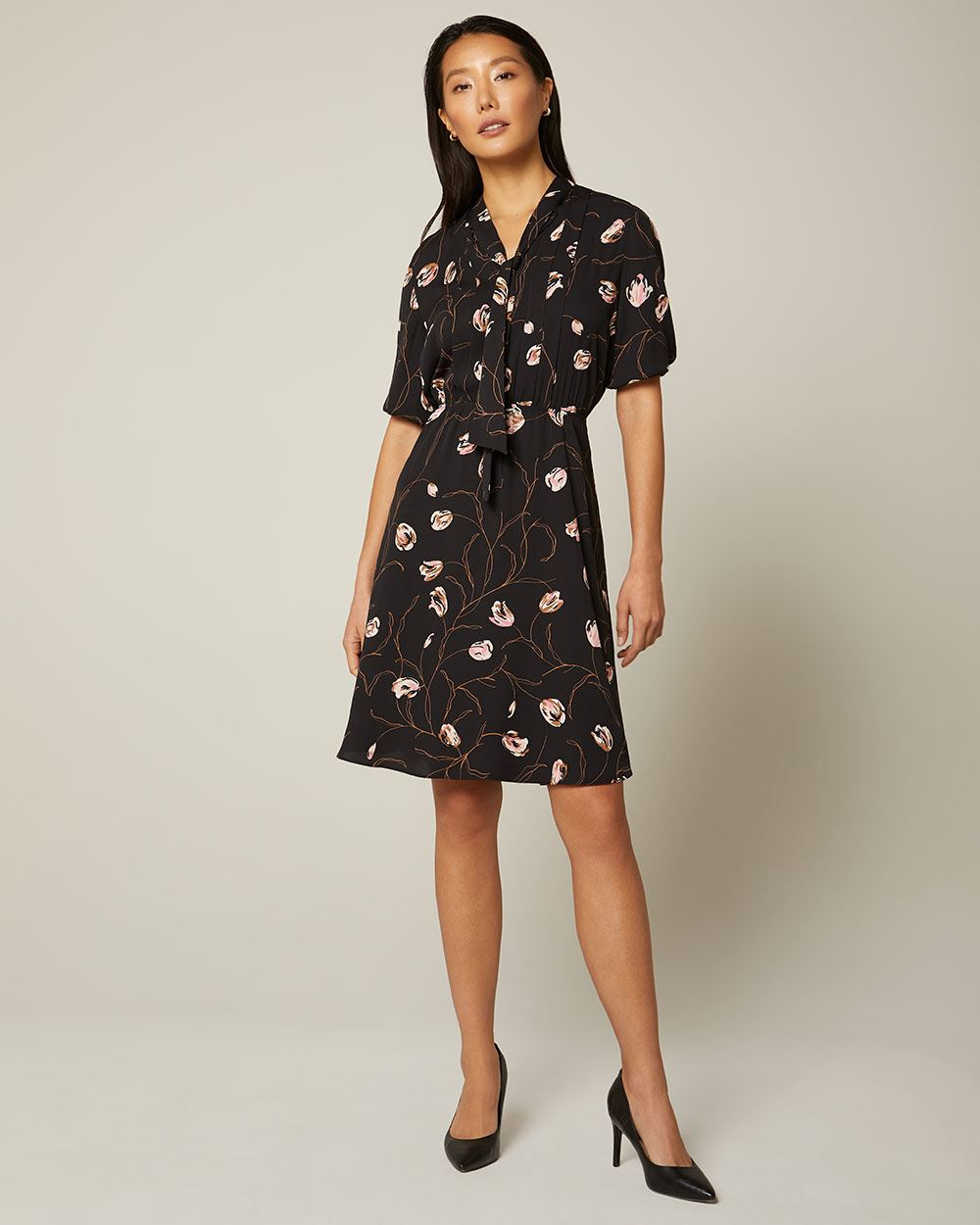 Short sleeve Fit and flare dress with neck tie