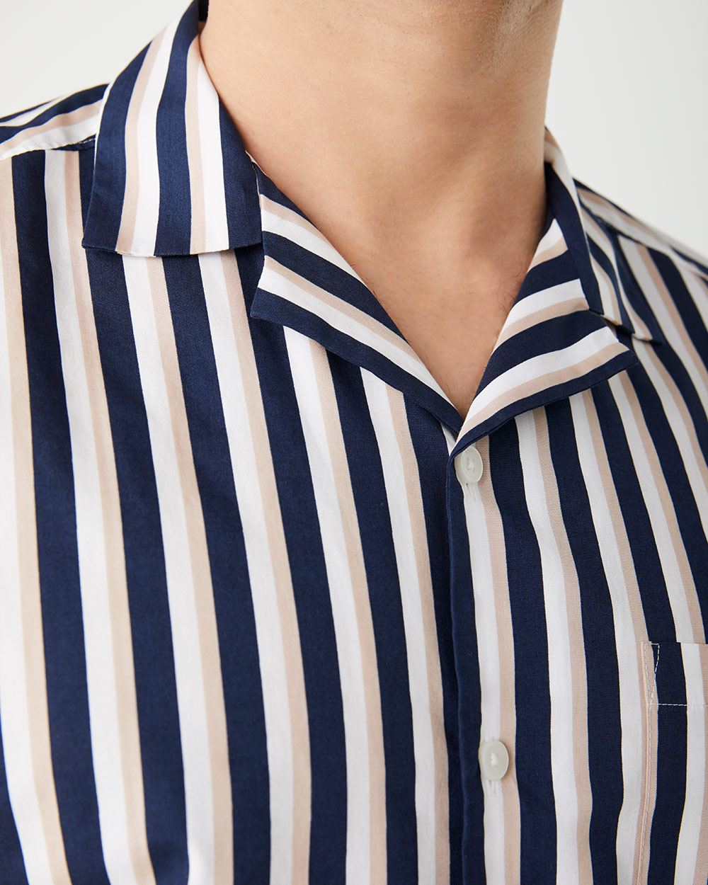 Tailored fit short sleeve striped shirt