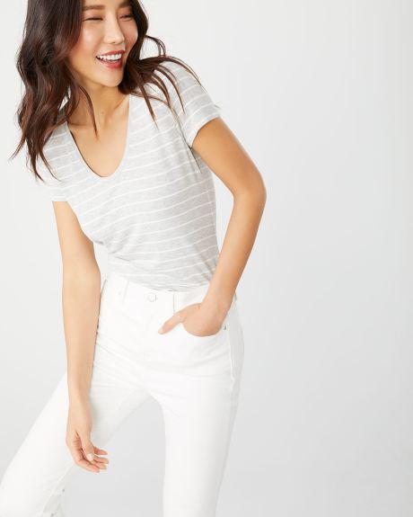 e116c828d Striped Rounded V-neck t-shirt