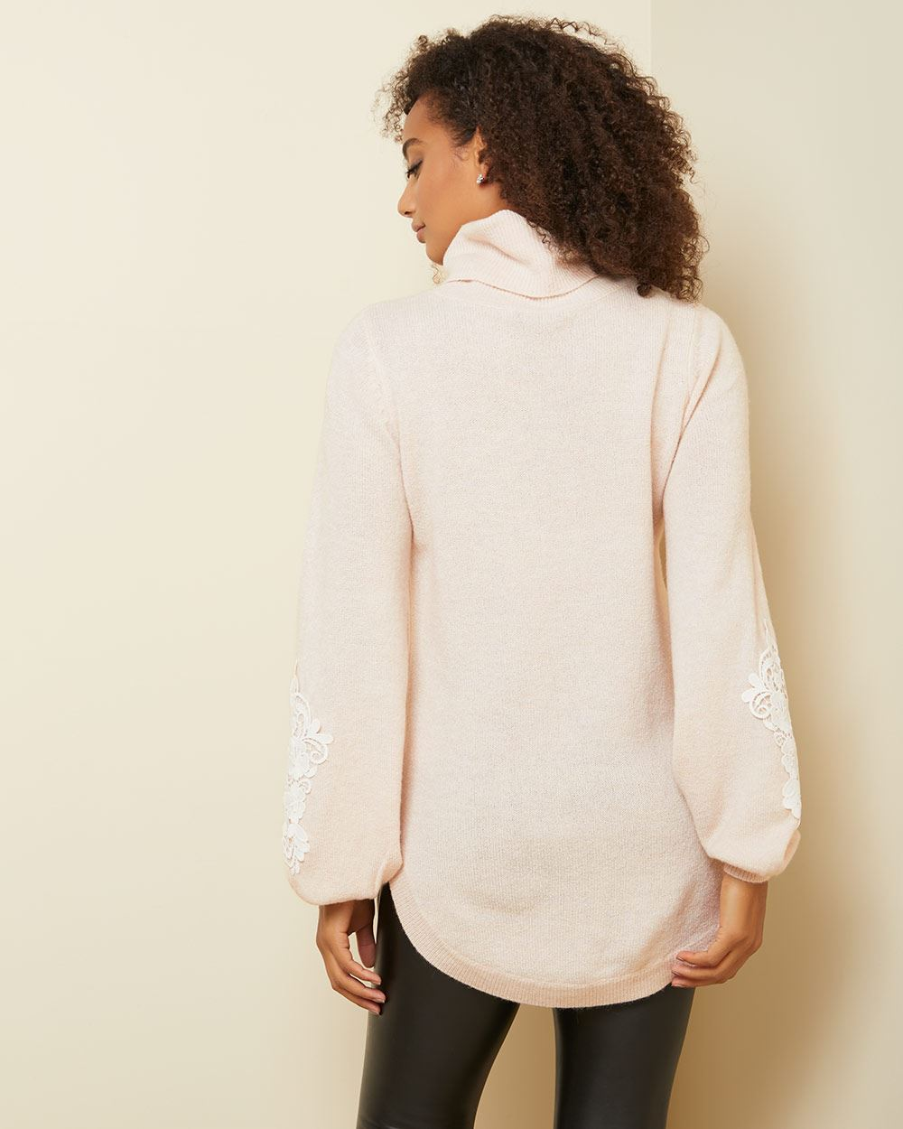Spongy knit tunic sweater with lace