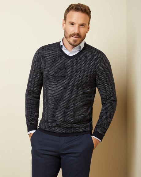 Two-tone v-neck sweater