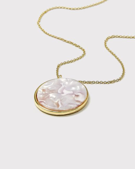 Pink pendent necklace