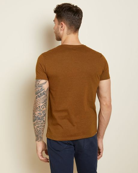 Cut and sew crew-neck t-shirt with pocket