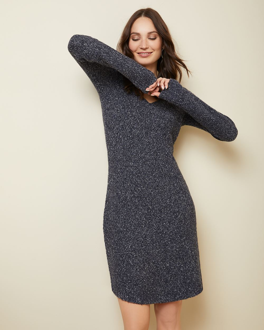 C&G Fitted V-neck sweater dress