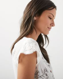 Mix Media t-shirt with lace