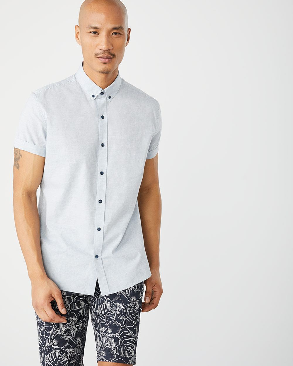 Tailored fit short sleeve heather shirt