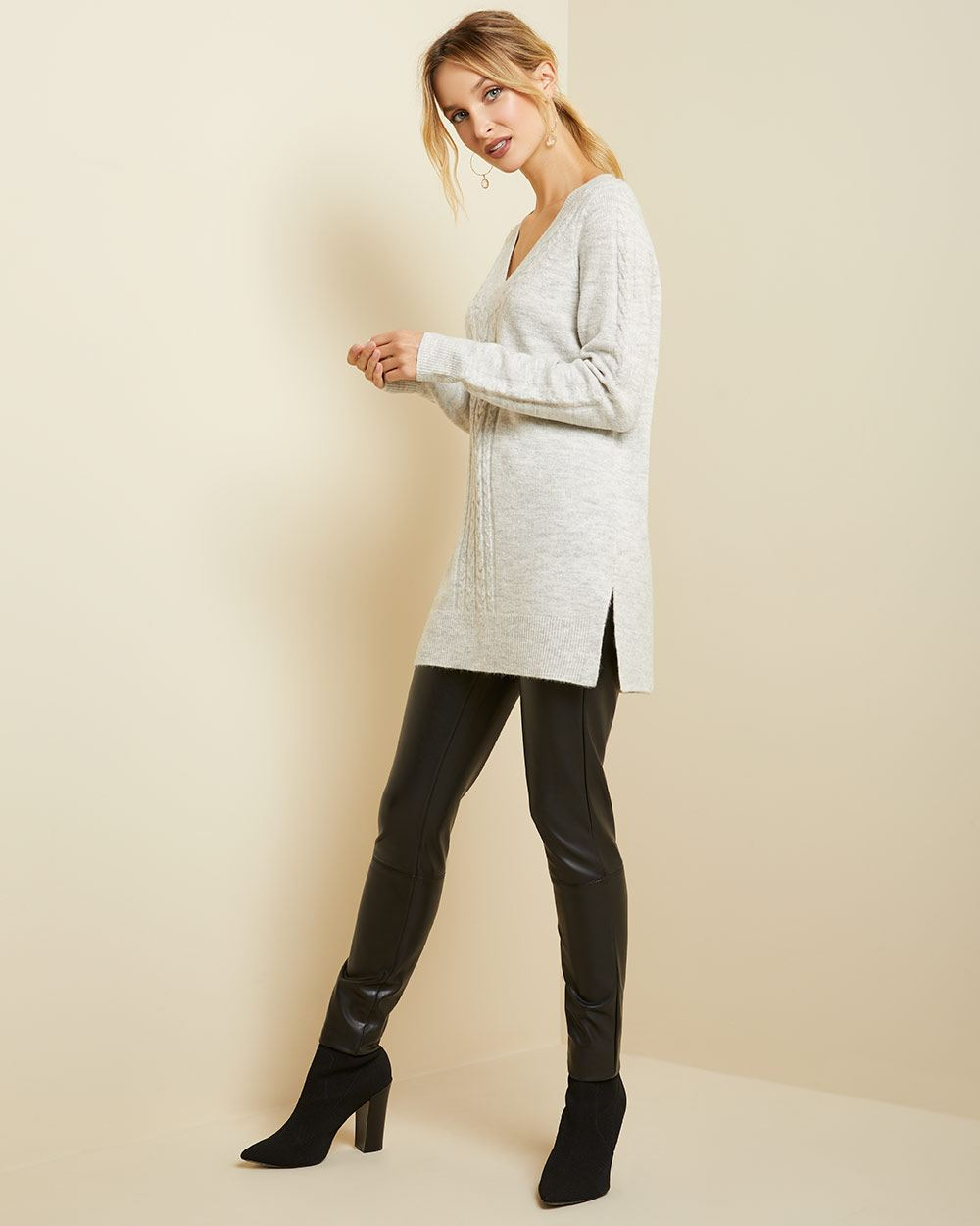 Spongy knit V-neck cable tunic sweater