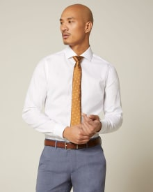 Slim fit dress shirt with wide spread collar