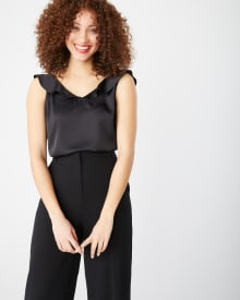 Sleeveless frill-trimmed t-shirt