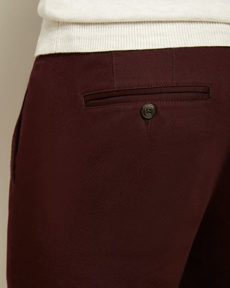 Slim Fit Slash Pocket Chino Pant