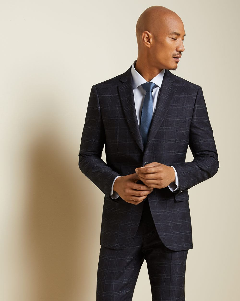 Tailored Fit checkered navy blue suit blazer