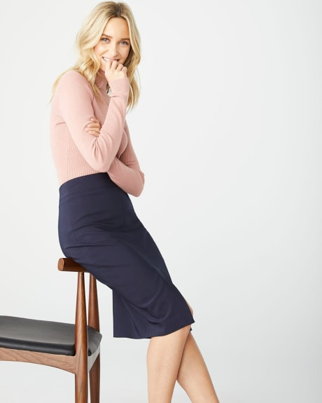 High-waist Modern chic pencil skirt with slit
