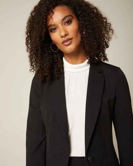 Stretch fitted blazer with welt pockets
