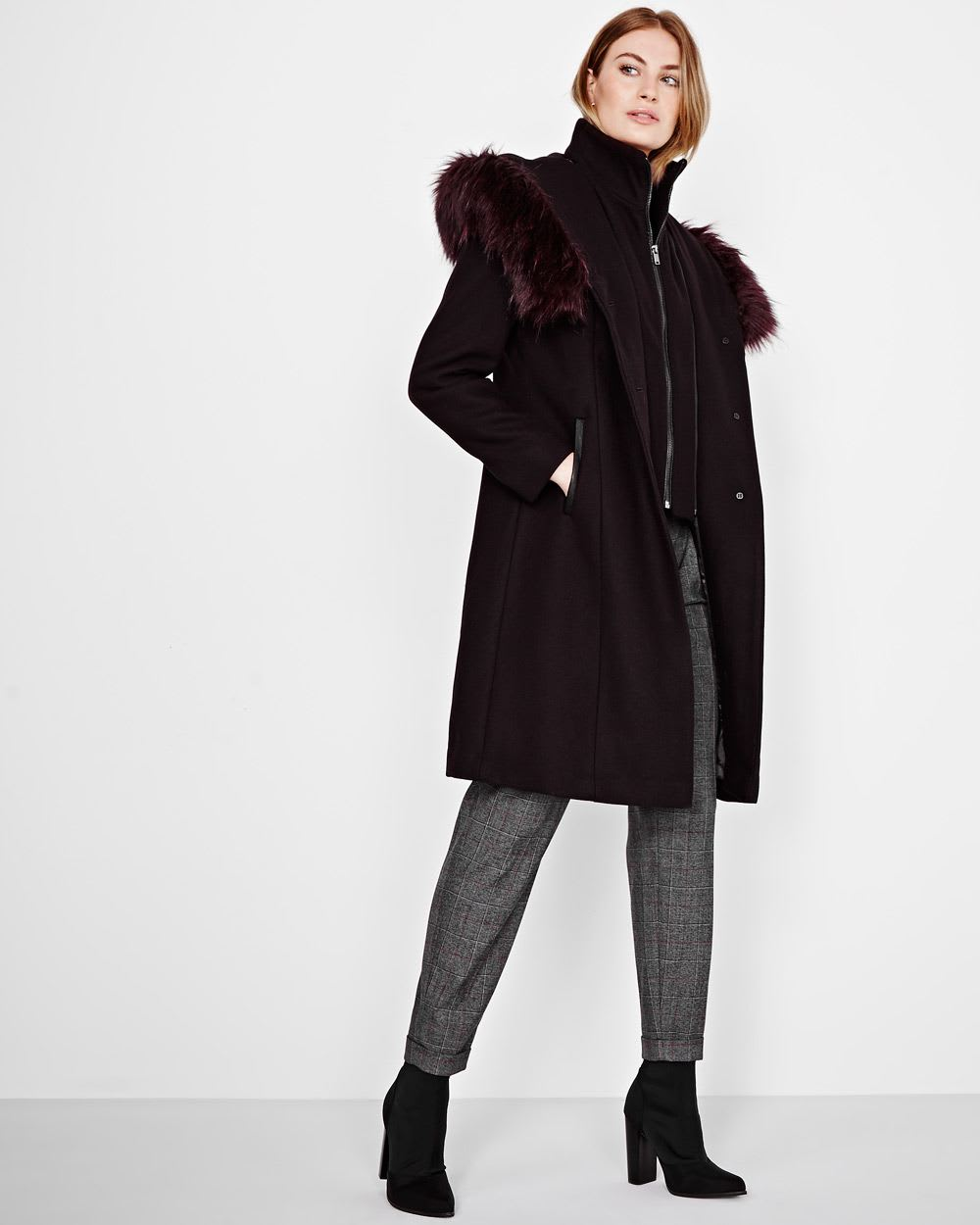 Manteau en mélange de laine avec col en fausse fourrure   RW CO. 8c573848deda