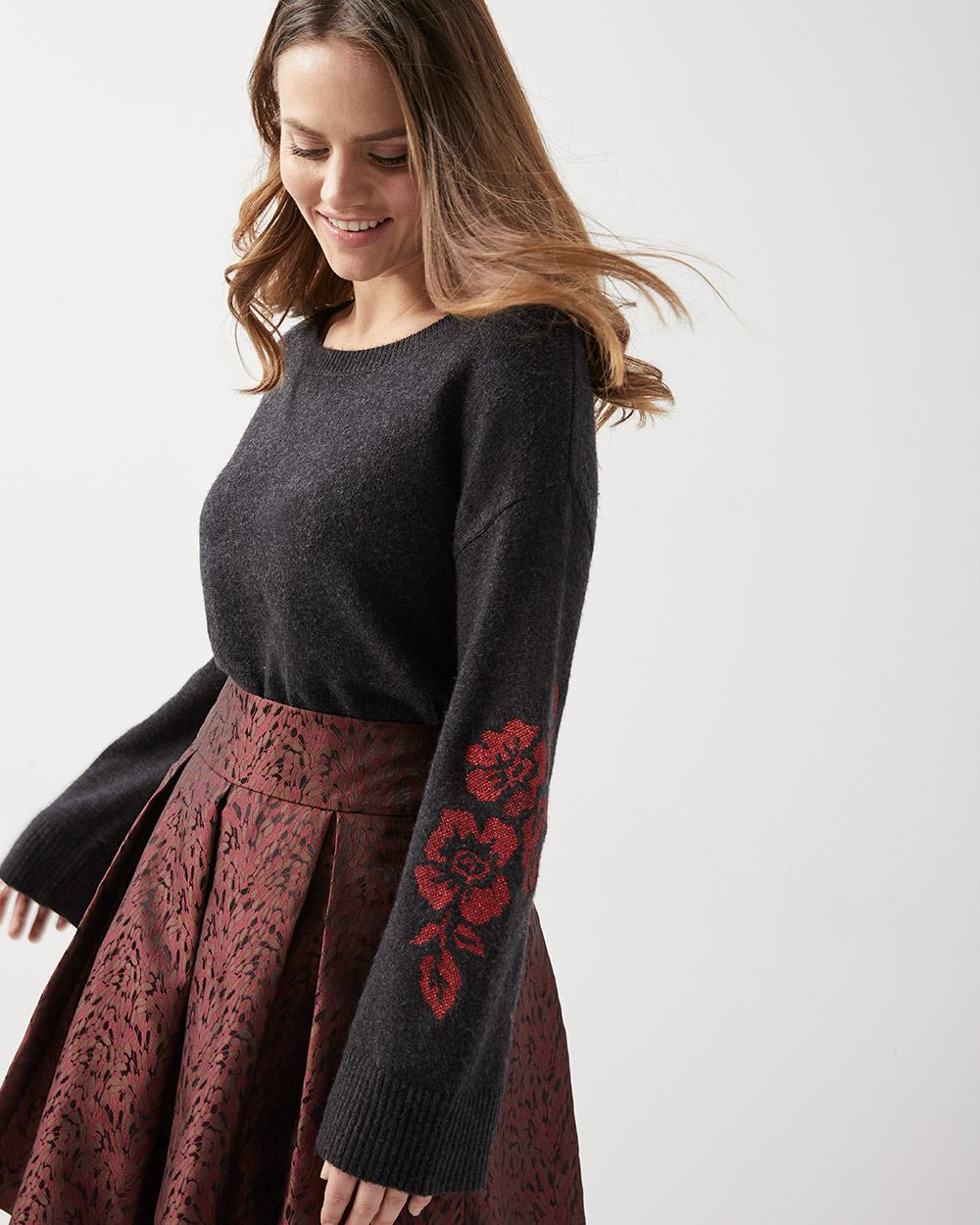 d1d1871f2bb Embroidered kimono sleeve Cashmere-like sweater