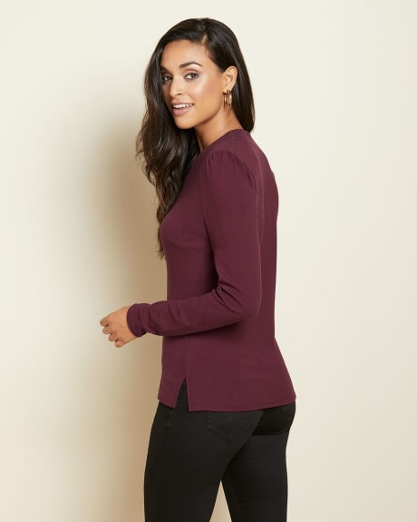 Long sleeve V-neck crepe top